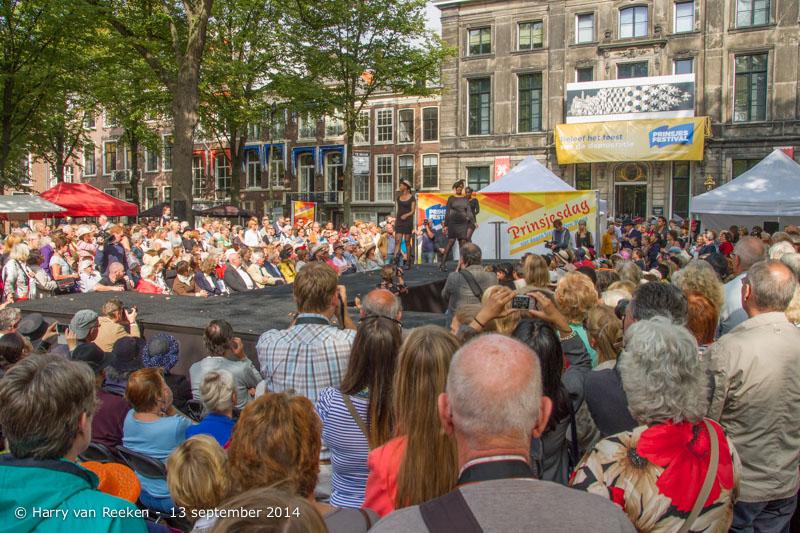 Lange Voorhout - PrinsjesHatwalk-01