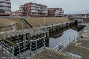 Schutsluis aan de tweede binnenhaven Scheveningen langs de Kranenburgweg