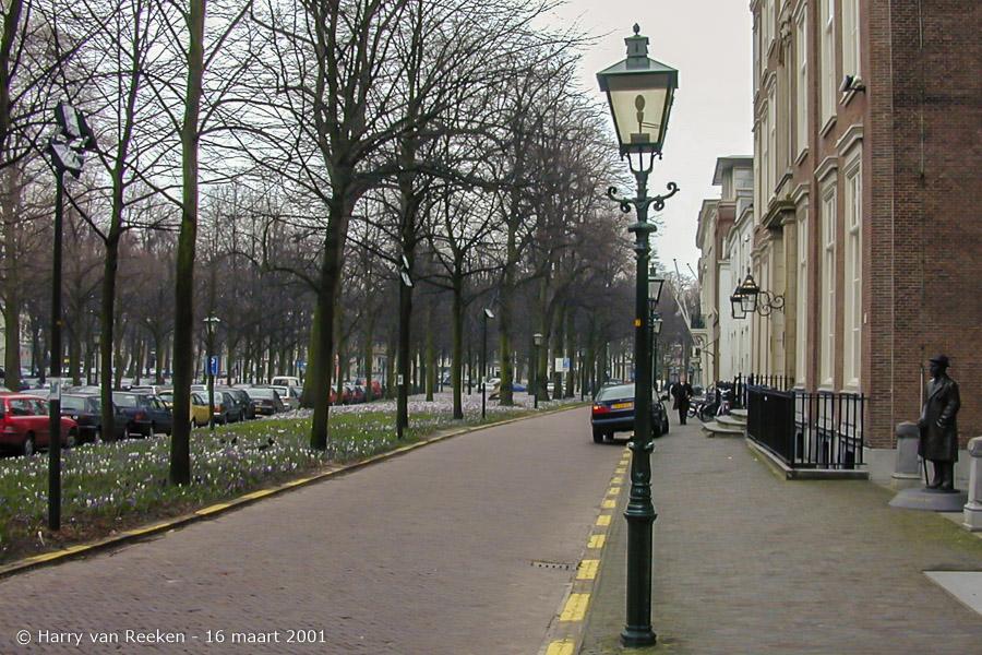 Lange Voorhout-16 maart 2001-1