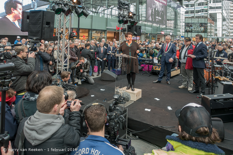 opening den Haag CS -11