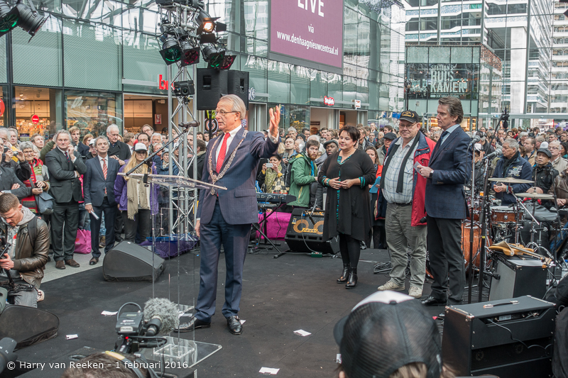 opening den Haag CS -13