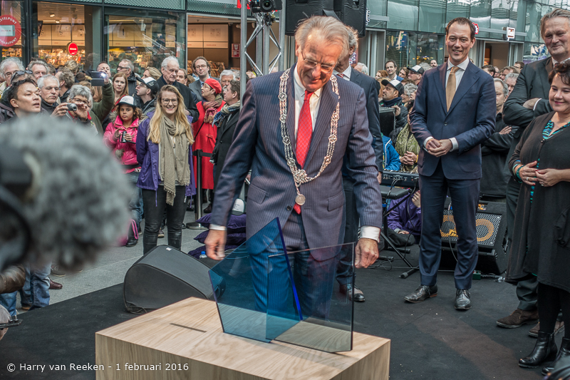 opening den Haag CS -23