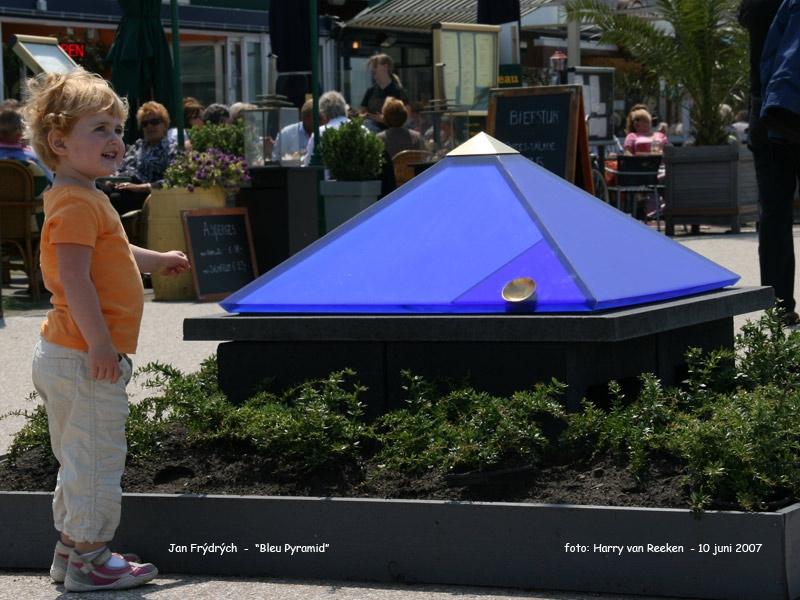 Jan Frýdrých - Blue Pyramid -1