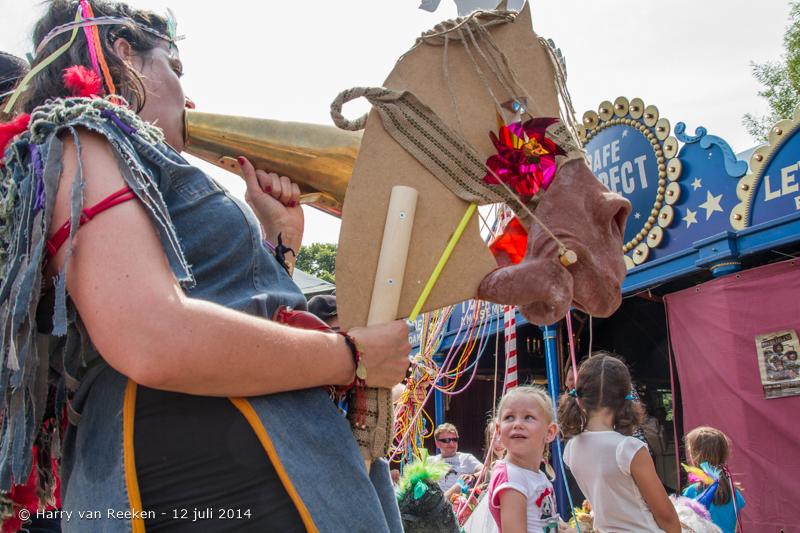 Parade 2014-28